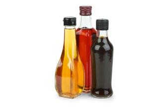 Jablečný ocet potlačuje chuť k jídlu, odbourává cholesterol a snižuje množství vody v těle.
