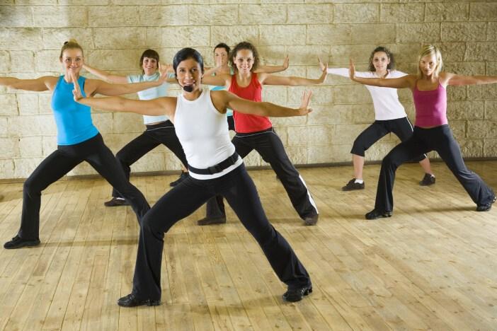 <span>Cvičení ve fitness centru - bez cvičení se dá hubnout jen pomalu a obtížně.</span>