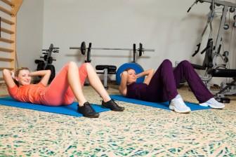 Různé způsoby jak zhubnout na bocích a na břichu