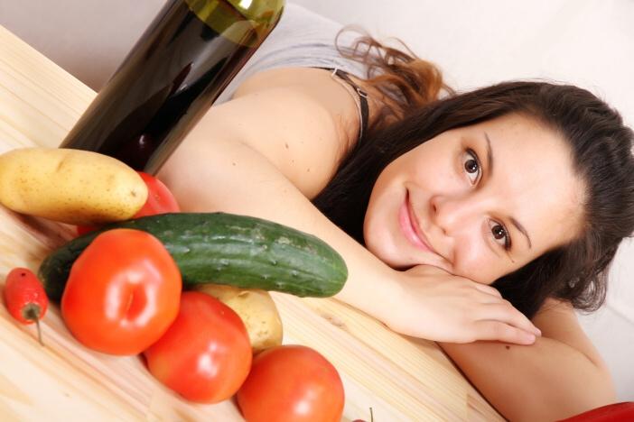 <span>Jak zhubnout? Hodně zeleniny, ovoce, minimum tuků a cukrů.</span>