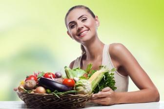 Základem úspěšného hubnutí do plavek je zdravý jídelníček.