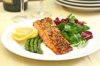 Zdravý člověk sice může bez jídla vydržet i 40 – 55 dní (v některých případech i déle)