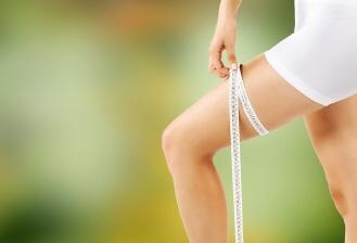 Pro zhubnutí stehen byste měli začít provozovat nějakou fyzickou aktivitu, která zatěžuje svaly právě v této oblasti.