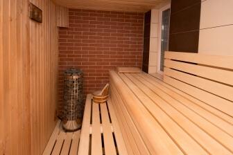 Optimální teplota v sauně se odvíjí od toho, co je cílem vaší návštěvy sauny.