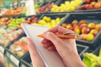 Mezi tyto tipy, jak hubnout, patří kromě obligátního doporučení začít cvičit, nebo přejít na dietní jídelníček, i jiné tipy.