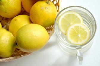 Limetková šťáva nepomáhá jenom při samotném hubnutí, ale je to i vhodný prostředek pro přírodní detoxikaci organismu
