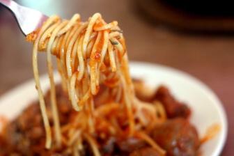 Možností jak si připravit nízkokalorické jídlo je celá řada. Tady je několik tipů na chutná jídla s nízkým obsahem kalorií: