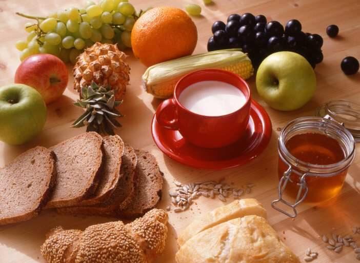 Základem pro hezkou a štíhlou postavu a trvale udržitelnou nízkou váhu je zdravá a především vyvážený jídelníček.