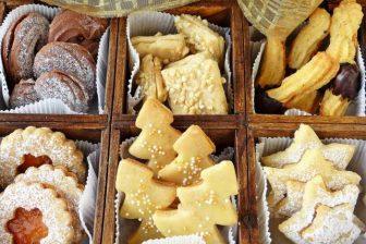 Klasické české vánoční cukroví se dá bez velkého přehánění zařadit mezi kalorické bomby. Ale i vánoční cukroví lze pojmout dietně.