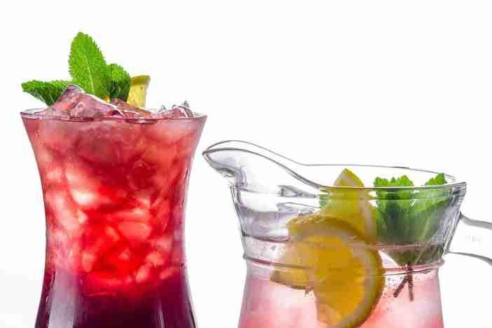 <span>Během letních veder se snažte hodně pít. A nejde jen o množství, ale i o správný výběr tekutin. </span>