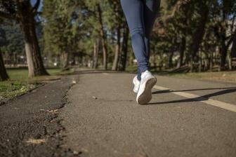 Když je fyzická aktivita málo intenzivní, tuky se nespalují. Když je příliš intenzivní, když máte nedostatek kyslíku, tak se tuky také nespalují.