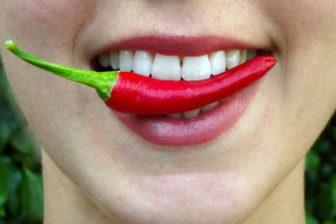 Pro zrychlení metabolismu a spalování tuků, mohou velmi dobře fungovat i některé potraviny, které obsahují například kofein (káva, zelený čaj), jsou pálivá (chilli, kajenský pepř, zázvor) nebo třeba i Chia semínka. Rychlost metabolismu a spalování tuků, se dá zvýšit i dalšími způsoby.